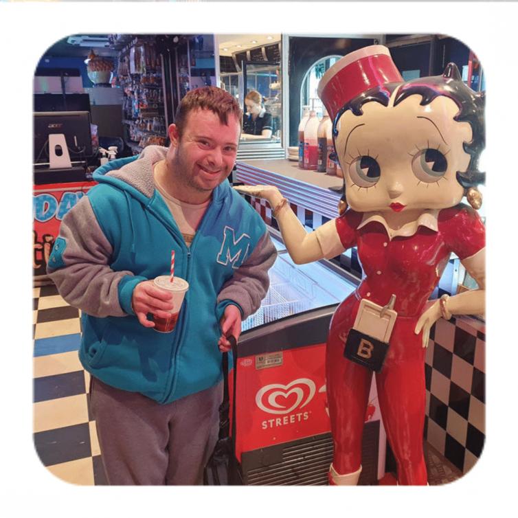 Niki's Fun Time at the Manhattan Superbowl